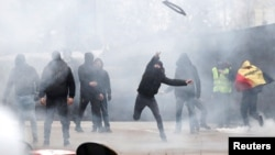 Protesti desničara u Briselu, 16. decembar (Foto: REUTERS/Francois Lenoir)