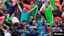 جمعی کثیری از افغان های ساکن در انگلستان نیز امروز برای دیدن رقابت به میدان حضور داشتند.