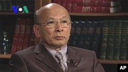 Lao Monghay, an independent analyst stopped by VOA Khmer on October 24, 2011.