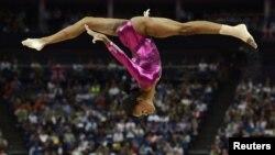Gabby Douglas biểu diễn tại vòng chung kết Olympic London, 2/8/2012