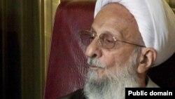 محمدتقی مصباح یزدی، از روحانیون بانفوذ در میان جناح تندرو در ایران