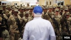 Dènye Diskou Minis Defans Robert Gates Bay Sòlda yo nan Afganistan ak Pakistan