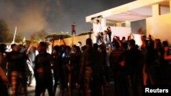 Slavlje građana posle upada u sedište islamističke paravojne grupe Ansar al-Šarija u Bengaziju