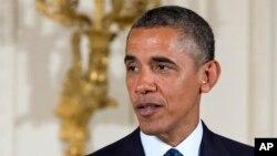 El presidente Obama habló con cuatro filiales de las cadenas hispanas sobre las posbilidades de la reforma migratoria.