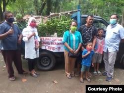 Donasi berupa hasil perkebunan dari masyarakat untuk Kebun Binatang Medan yang alami krisis keuangan. Rabu 29 April 2020. (Courtesy: dokumen Medan Zoo)