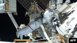 Svemirska šetnja astronauta na Medjunarodnoj svemirskoj stanici