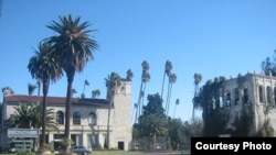 好莱坞永恒公墓正面外观