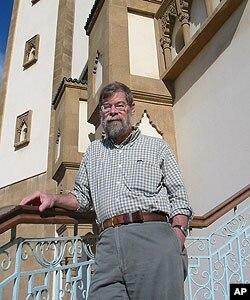 Kenneth Perkins, Tunisia scholar and University of South Carolina professor of history