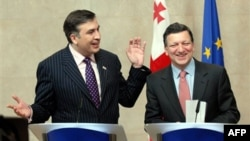 Михаил Саакашвили и Жозе Мануэль Баррозу. Архивное фото