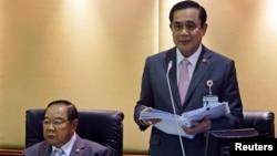 泰國總理巴育 (右)和副總理普拉威(資料圖片)