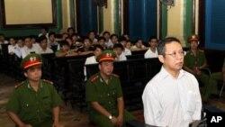 法國籍越南學者黃範明在庭上