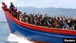 Nhiều người Hồi giáo Rohingya ở Miến Ðiện đã bỏ nhà cửa ra đi chủ yếu là qua Thái Lan và Malaysia vì tin đời sống của họ sẽ tốt đẹp hơn.