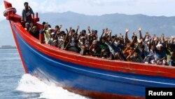 Việc di dân bằng đường biển của người Rohingya được xem như là một trong những phong trào thuyền nhân lớn nhất kể từ khi cuộc chiến Việt Nam chấm dứt năm 1975.