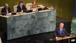Presiden AS Donald Trump memberikan pidato pada Sidang Umum PBB ke-72 di markas PBB, New York, Selasa (19/9).