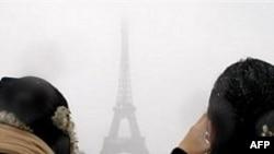 Paris Kara Teslim Oldu