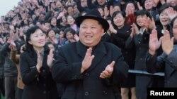 Kim se convertirá así en el primer líder norcoreano que cruza al sur de la fronteradesde el final de la Guerra de Corea (1950-1953).