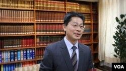 台灣外交部發言人李憲章29日在例行記者會上(美國之音楊明拍攝)