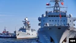Chiến hạm Trung Quốc đến cảng Gdynia ở Ba Lan ngày 7/10/2015. Trung Quốc thông báo sẽ tiến hành tập trận từ ngày 5/7 - 11/7/2016 tại khu vực gần quần đảo Hoàng Sa.