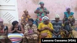 Mulheres protestam junto do Ministério da Educação em Bissau
