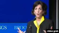 """La secretaria Roberta Jacobson considera un """"desastre"""" si el Congreso solo aprueba el dinero destinado para la seguridad y desestima los otros factores para desarrollar el plan para la prosperidad de Centroamérica."""