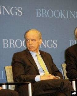 布鲁金斯学会中国政策中心主任李侃如