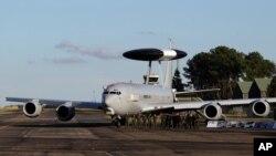 Самолет НАТО системы АВАКС (архивное фото)