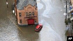 Vista de las inundaciones causadas por el huracán Sandy en Hoboken, Nueva Jersey.