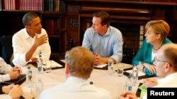 Ông Obama đã cùng với Thủ tướng Anh David Cameron và các nhà lãnh đạo Liên hiệp châu Âu tuyên bố rằng một thỏa thuận chung cuộc về Ðối tác Ðầu tư và Thương mại Xuyên Ðại Tây Dương.