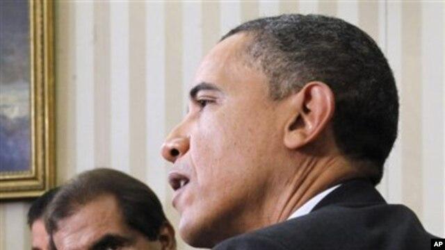 President Barack Obama meets with the Emir of Qatar Sheikh Hamad bin Khalifa Al Thani, April 14, 2011, in the White House