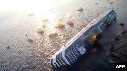 Капітан «Кости Конкордії» відмовлявся повернутися на судно для евакуації пасажирів