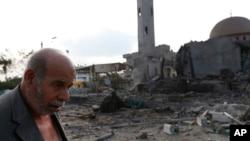 Ðền thờ Al Aqsa Martyrs bị phá hủy trong vụ không kích của Israel, ngày 22/7/2014.