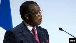 Le président congolais Denis Sassou Nguesso prononce un discours à Paris, France, 30 novembre 2015. epa / ETIENNE LAURENT