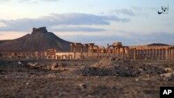 Gambar ini diunggah Minggu, 11 Desember, 2016, oleh News Agency Aamaq, lengan media kelompok ISIS, untuk menunjukkan situasi reruntuhan kota kuno Palmyra. (Foto: Video Militan via AP)