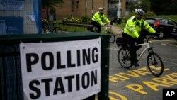An ninh tuần tra trong ngày bầu cử Anh 8/6/2017.