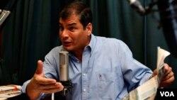 El presidente de Ecuador, Rafael Correa, reiteró que dentro de la prensa hay informantes que trabajan para Estados Unidos.