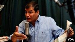 El presidente de Ecuador, Rafael Correa, reiteró que los procesos judiciales contra de diario El Universo terminaran cuando reconozcan su error.