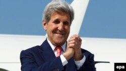 Джон Керри отбывает из Грузии. Международный аэропорт Тбилиси. 7 июля 2016 г.