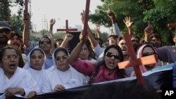2014年11月5日巴基斯坦基督徒谴责杀害基督徒夫妇