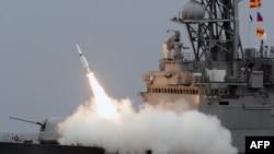타이완 해군 소속 키드급 구축함에서 미국산 SM-2 미사일이 발사되고 있다. (자료사진)