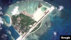 중국이 미사일을 배치한 남중국해 파라셀 군도의 우디 섬을 위성으로 촬영한 사진. (자료사진)
