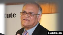 جاوید جبار سابق فوجی صدر پرویز مشرف کے دور میں وفاقی وزیرِ اطلاعات رہے ہیں۔ (فائل فوٹو)