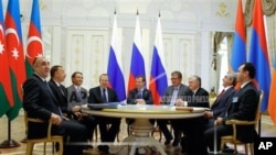 2011-ci ildə iyunun 24-də o zaman Rusiya prezidenti Dmitri Medvedev, Azərbaycan prezidenti İlham Əliyev və Ermənistan prezidenti Serj Sarkisyan Kazan görüşü zamanı