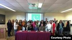 امریکہ میں تربیت حاصل کرنے والی پاکستانی ٹیکنکل اور ووکیشنل خواتین ایڈمنسٹریٹرز کا گروپ