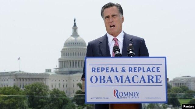 Ứng viên tổng thống đảng Cộng Hòa Mitt Romney phản ứng trước việc Tòa án Tối cao giữ nguyên đạo luật y tế của tổng thống Obama