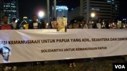 Aksi protes damai di Jakarta untuk mendesak pemerintah menyelesaikan sejumlah persoalan di Papua. (Foto: Dok)