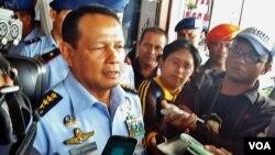 Kepala Staf Angkatan Udara Marsekal TNI Agus Supriyatna di Base Ops Lanud Adisucipto memberikan penjelasan kepada media tentang penyelidikan yang sedang dilakukan TNI AU untuk mencari penyebab kecelakaan pesawat tempur latih T50i Golden Eagle, Senin 21/12