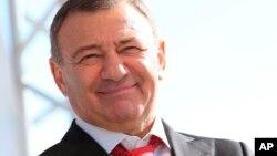 러시아 기업가 아르카디 로텐버그가 러시아 정부와 30억 달러 규모의 러시아-크림반도 교량 건설 사업 계약을 체결했다.
