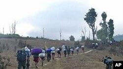 برما: فرنٹ لائن پر قیدیوں سے مزدوری کا الزام