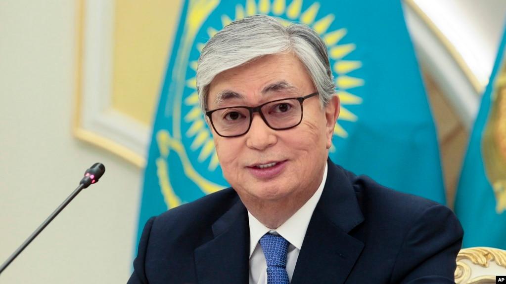 哈萨克斯坦总统托卡耶夫在总统府对媒体讲话。(2019年6月10日)