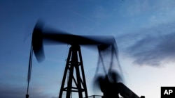 美国探勘石油的资料照片。
